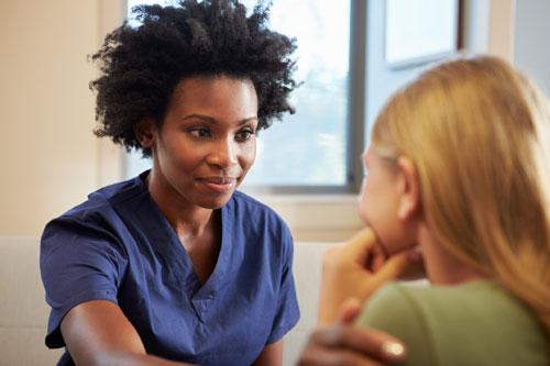 healthcare-social-worker-50