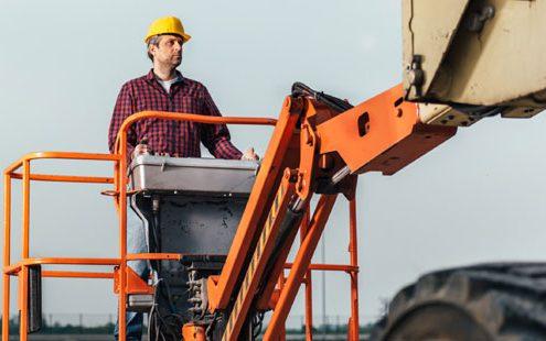 crane-worker-500